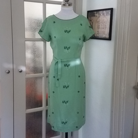 Vintage Dresses & Skirts - Vintage Mint Green Day Dress w/ embroidery detail